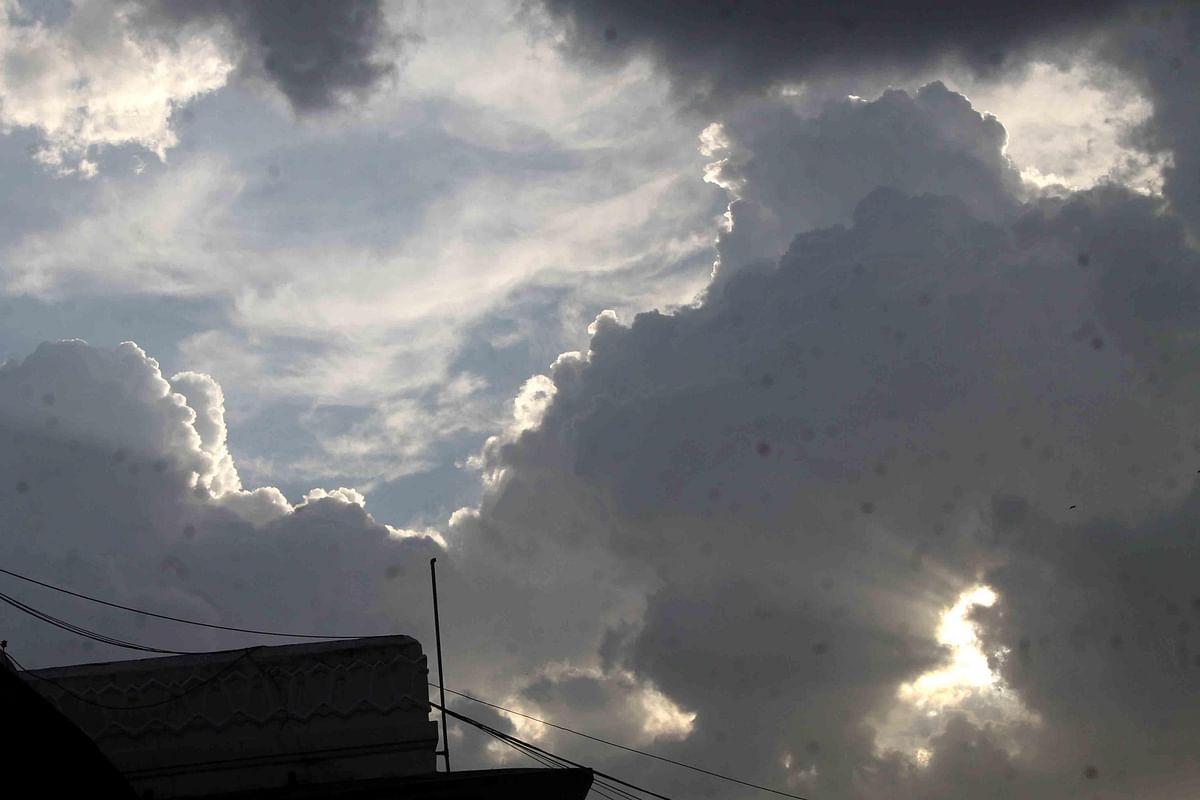 दिल्ली: आसमान में आंशिक बादल छाए रहेंगे लेकिन नहीं होगी बारिश, जानें मौसम का हाल