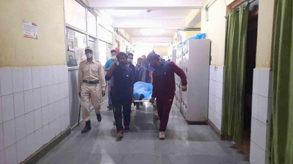 बड़ी खबर LIVE: जम्मू-कश्मीर के हंदवाड़ा में एक घर में रहस्यमयी विस्फोट, एक की मौत, परिवार के 6 सदस्य घायल