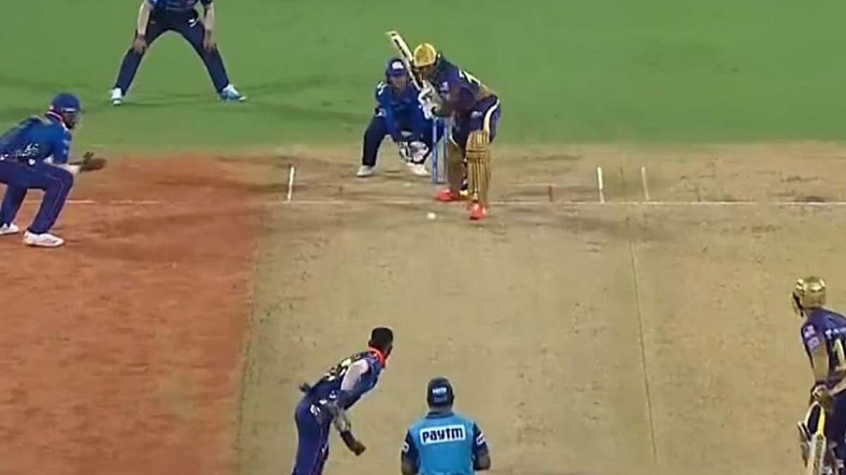IPL 2021: चेन्नई से मिली हार को भुलाकर KKR के खिलाफ दमदार वापसी करना चाहेगा MI, रोहित-हार्दिक की भी होगी वापसी!