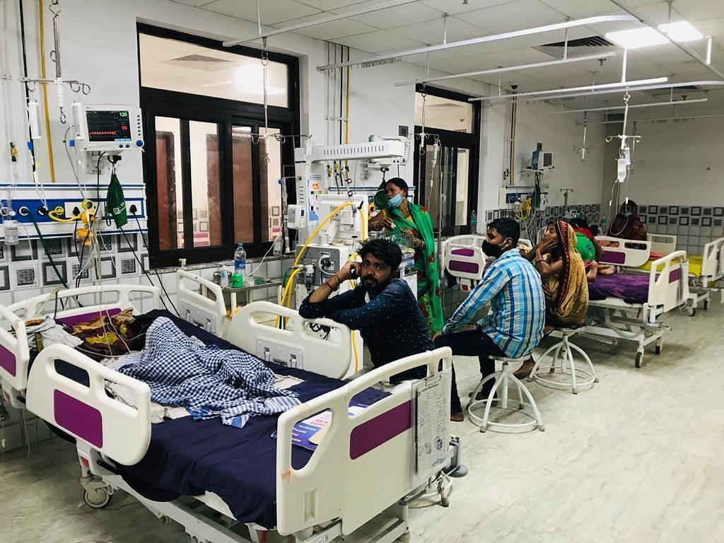 यूपी के बांदा में वायरल बुखार का कहर! एक दिन में सामने आए 400 मरीज, अब तक 4 हजार लोग चपेट में आए