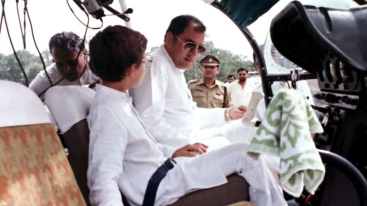 वीडियो: राहुल ने राजीव गांधी के साथ बिताए पल किए साझा, बताया कैसे वो अपने पिता के साथ फ्लाइट में करते थे सफर