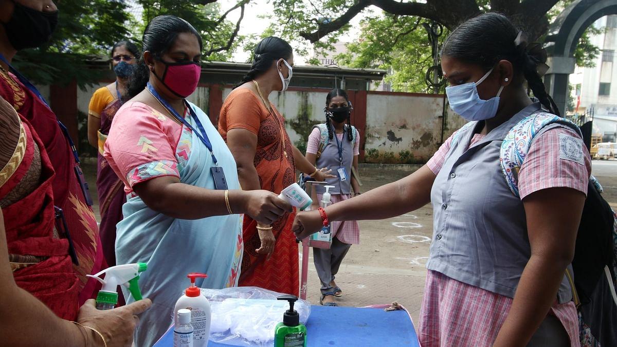 कोरोना ने एक बार फिर बढ़ाई चिंता! तमिलनाडु में स्कूल खुलते ही 117 छात्र हुए पॉजिटिव