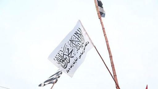 पाकिस्तान में तालिबान की एंट्री? इस्लामाबाद के मदरसा में फराया गया तालिबान का झंडा