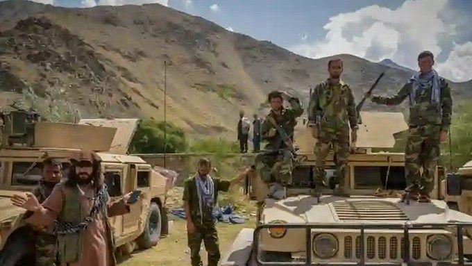 जाते-जाते तालिबान को फायदा करा गया अमेरिका! पंजशीर घाटी में काम आ रहे अमेरिकी हथियार