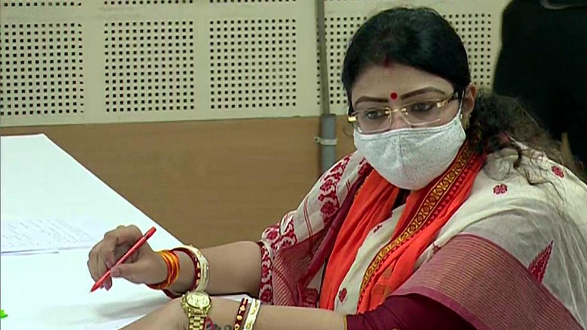 भवानीपुर उपचुनाव: BJP उम्मीदवार प्रियंका टिबरेवाल ने तोड़ा कोरोना प्रोटोकॉल? रैली पर रोक लगाने को लेकर EC ने भेजा नोटिस