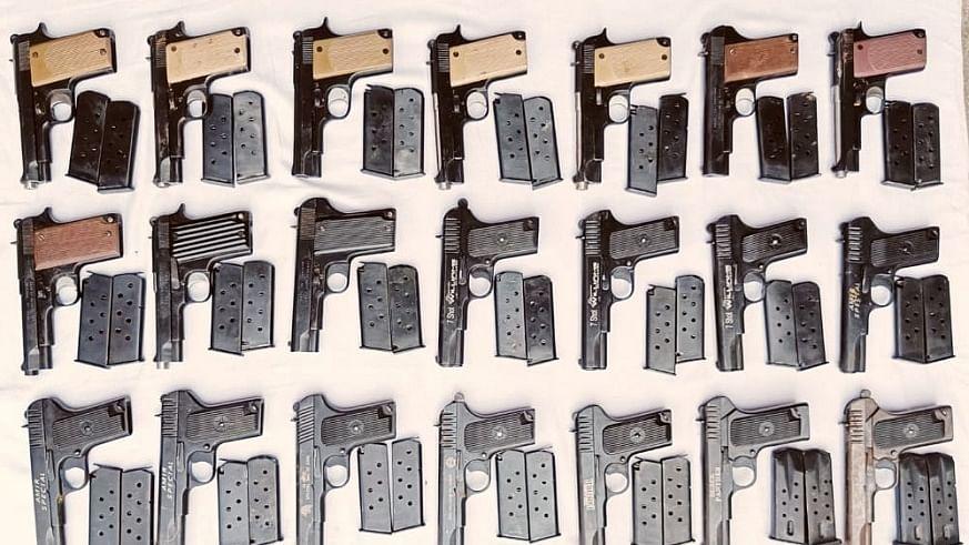 पंजाब पुलिस ने बड़ी साजिश को किया नाकाम, भारत-पाक सीमा के पास भारी मात्रा में हथियार बरामद