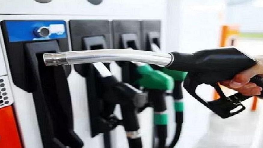 जनता पर महंगाई की मार जारी, देश में फिर बढ़े पेट्रोल-डीजल के दाम, जानें आपके शहर में क्या है तेल की नई कीमत