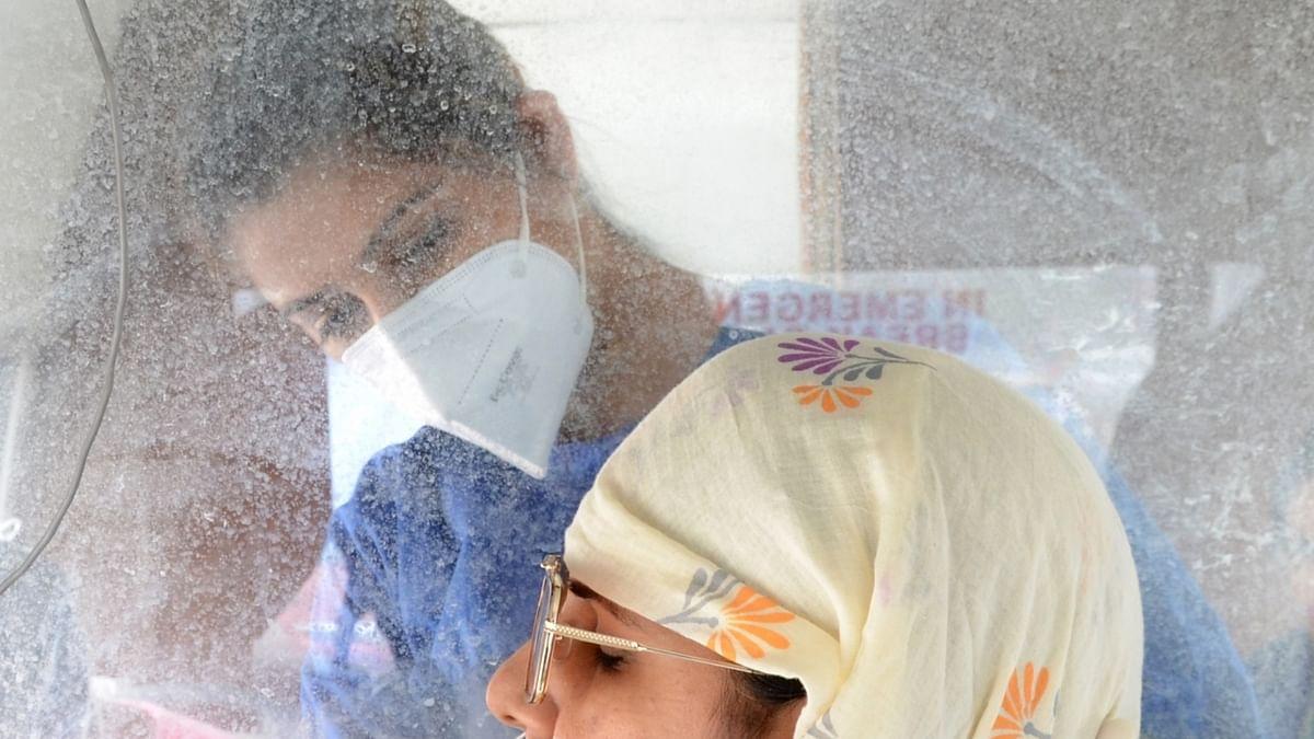 देश में कोरोना का कहर जारी, बीते 24 घंटे में 18 हजार से ज्यादा मामले आए सामने, 193 लोगों की मौत