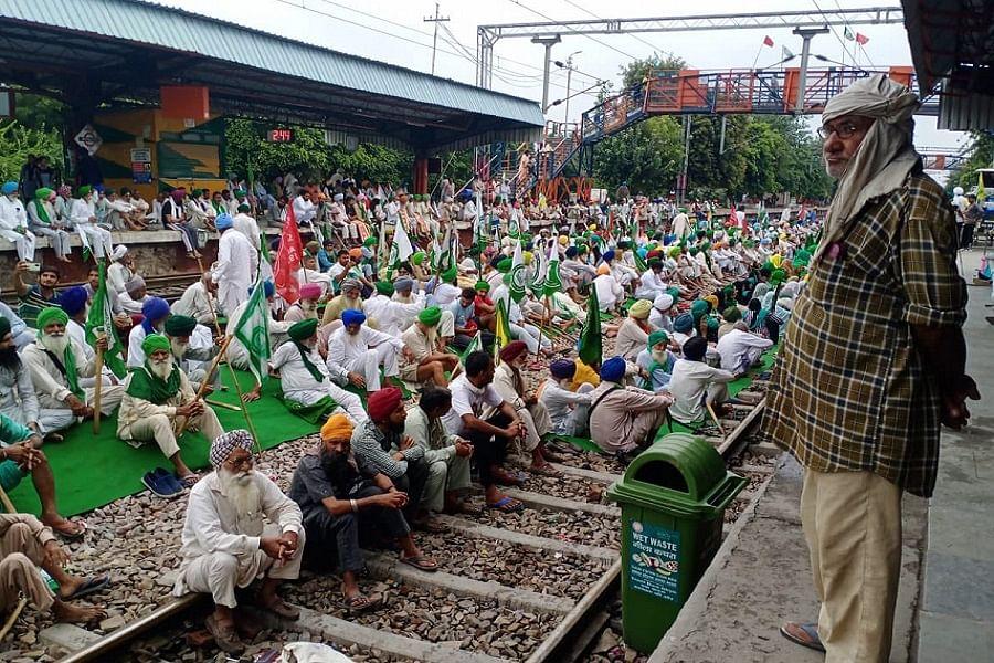 किसानों के रेल रोको आंदोलन का हुआ व्यापक असर, 290 से अधिक ट्रेनें प्रभावित, 40 से ज्यादा हुईं रद्द- मोर्चा