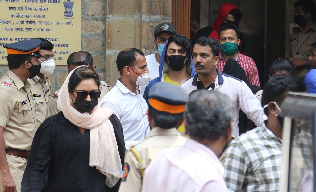 सिनेजीवन: क्रूज ड्रग्स केस में बॉम्बे HC ने आर्यन खान को दी जमानत और 'सत्यमेव जयते 2' का पहला गाना रिलीज