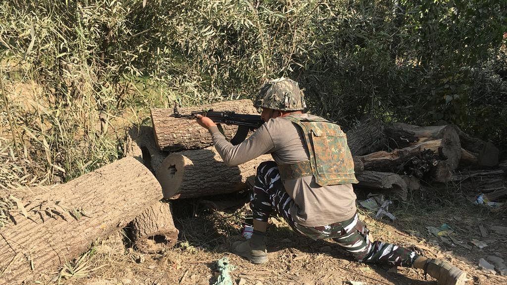 जम्मू-कश्मीर के पुंछ में आतंकियों से मुठभेड़ में JCO समेत सेना के 5 जवान शहीद, ऑपरेशन जारी