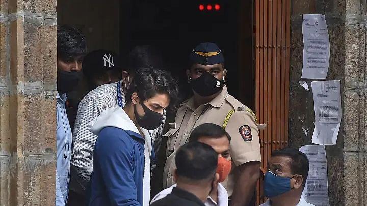 सिनेजीवन: 20 अक्टूबर तक जेल में ही रहेंगे आर्यन खान, जमानत पर फैसला सुरक्षित और राज के खिलाफ शर्लिन पहुंची थाने