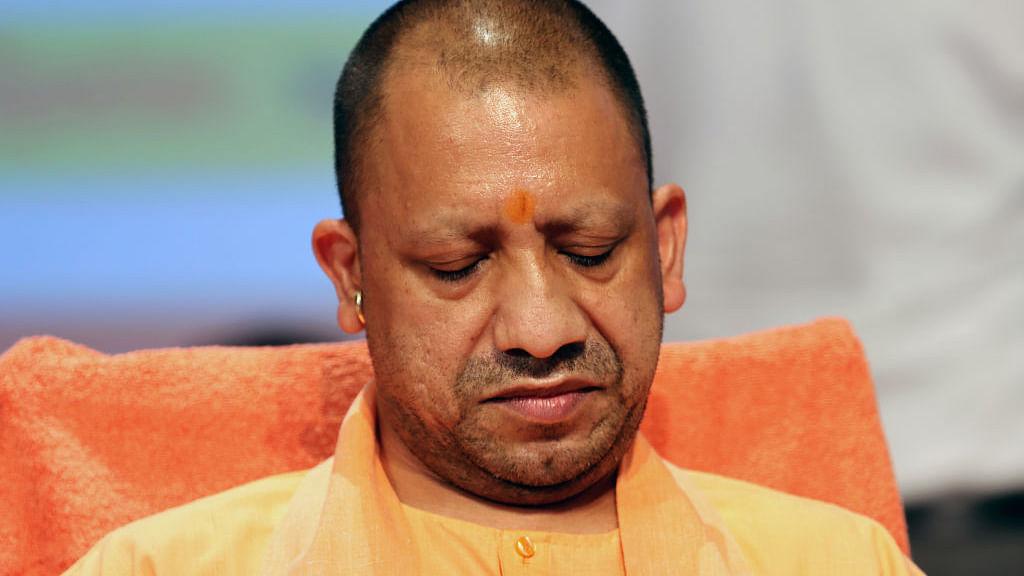 चुनाव में हार के डर से सीएम योगी फिर से हिंदू-मुस्लिम की राह पर! योगी के ट्वीट पर लोगों का तंज- ये घबराहट क्यों?
