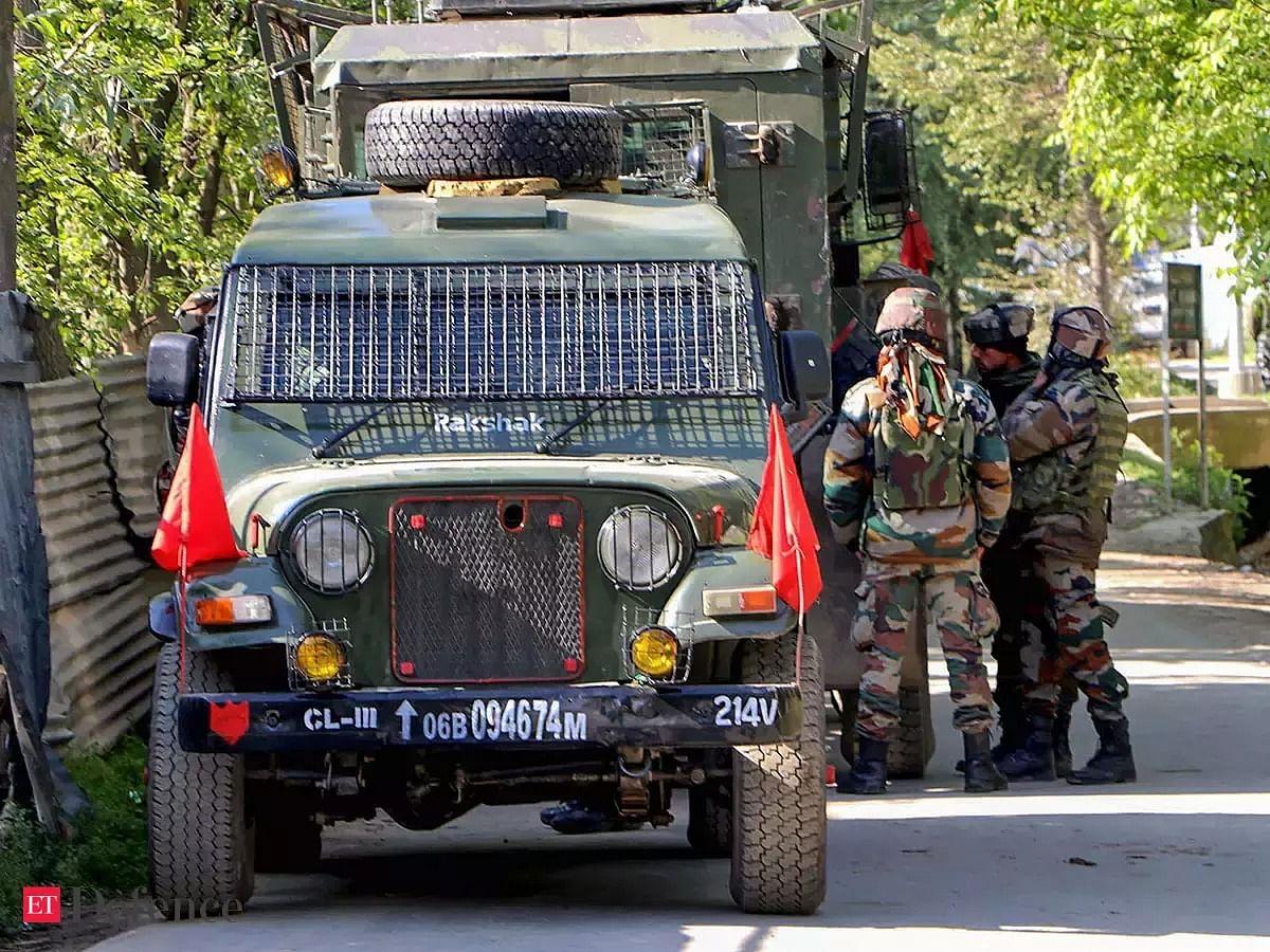 जम्मू-कश्मीर: शोपियां में सुरक्षाबलों और आतंकियों के बीच मुठभेड़, अब तक 2 आतंकी ढेर, सर्च ऑपरेशन जारी