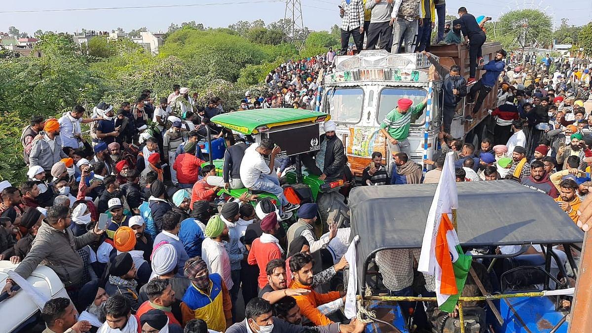 खट्टर सरकार के वाटर कैनन और आंसू गैस के गोले भी नहीं रोक पाए किसानों को, कल  दिल्ली बार्डर पर टकराव की आशंका