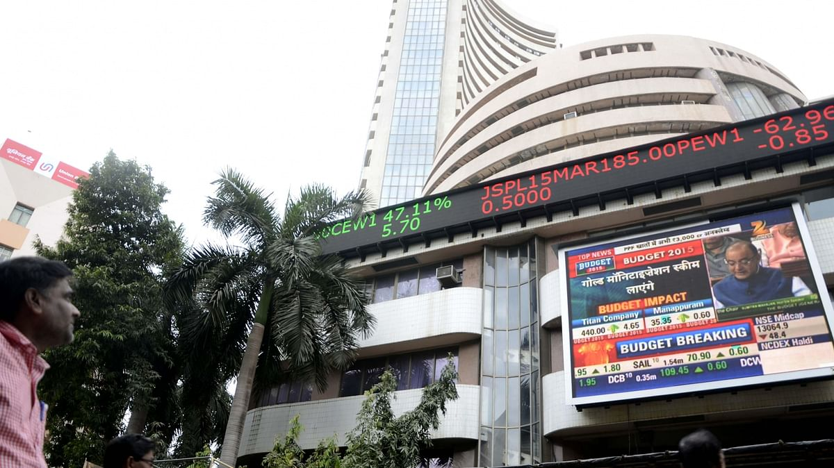 Sensex, Nifty end flat; Vodafone ends 26% lower