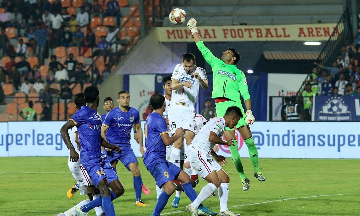 Football ISL: Carlos comforts Mumbai back into top-four reckoning