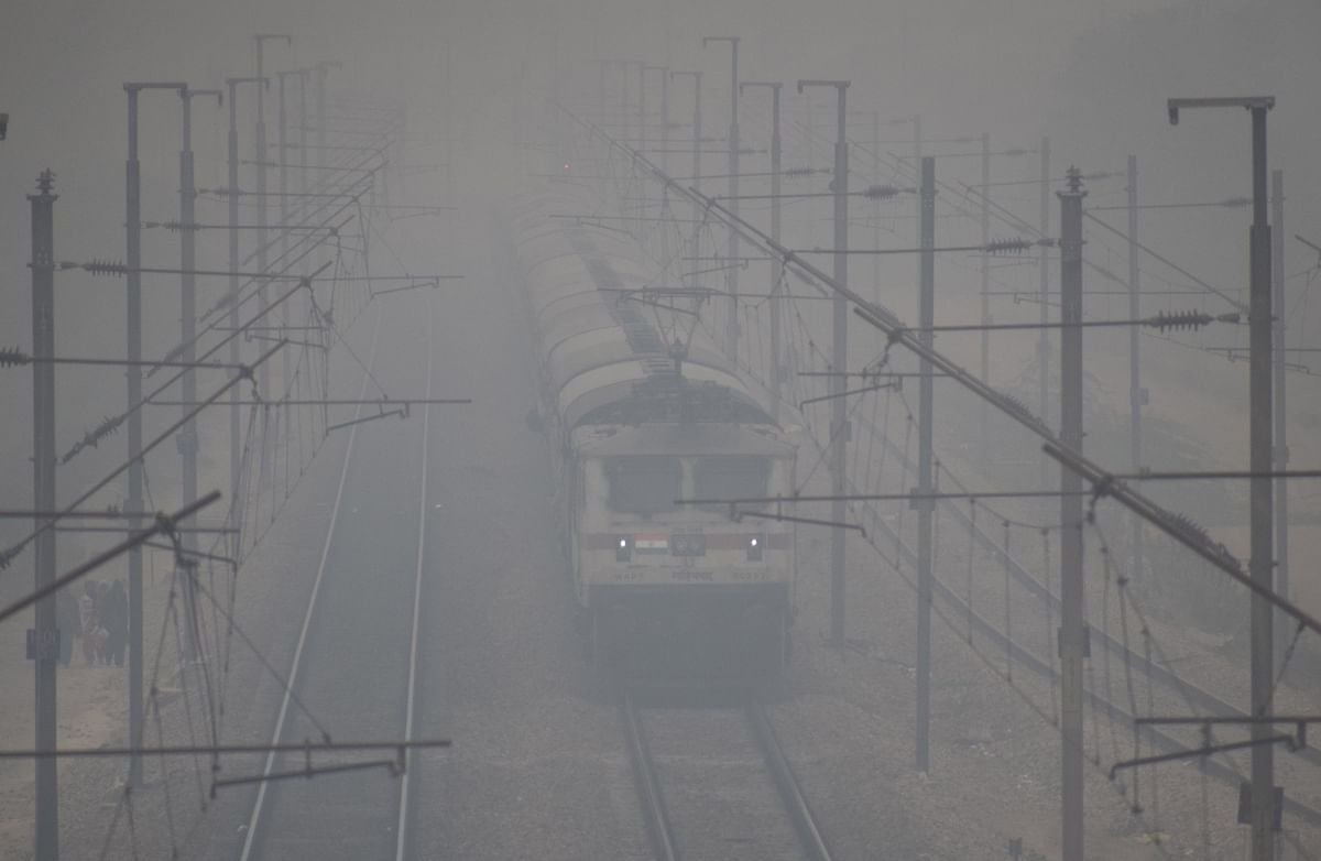 17 Delhi-bound trains delayed due to fog