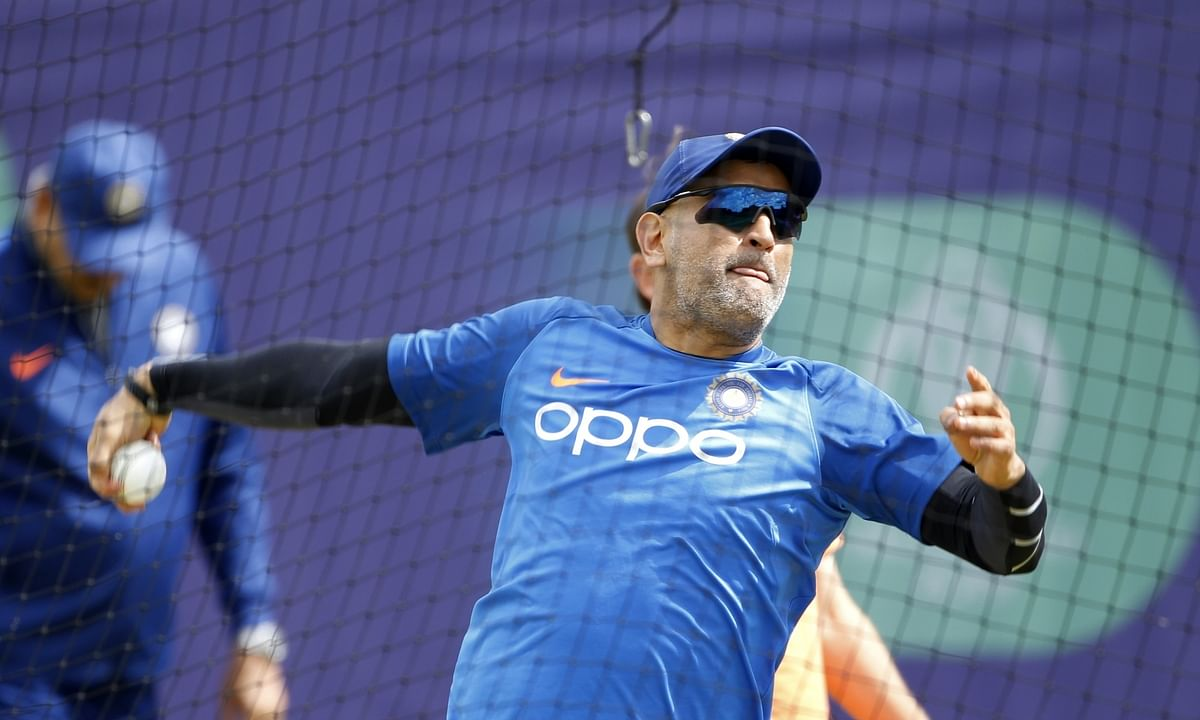 'Indispensible' Dhoni missing from BCCI 2019-20 contract list