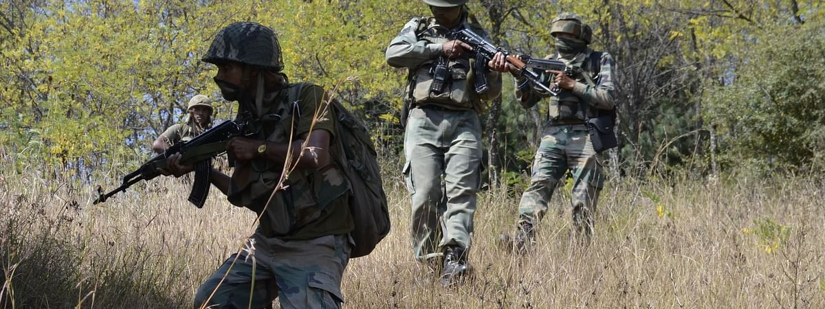 File photo of soldiers in action during an encounter with militants on the Line of Control (LoC) in Jammu and Kashmir.
