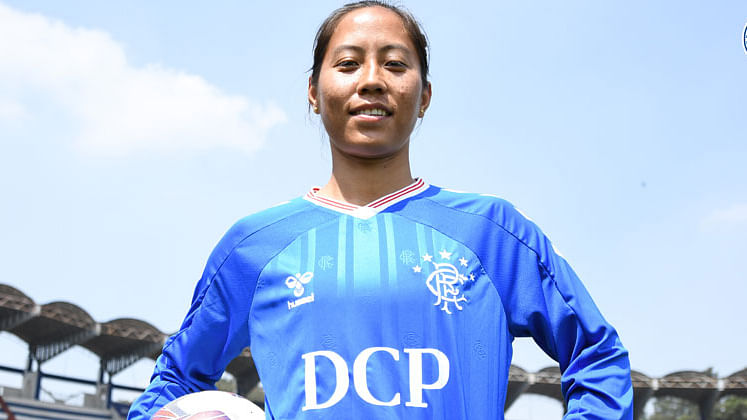 Football: Rangers FC signs Indian international Bala Devi