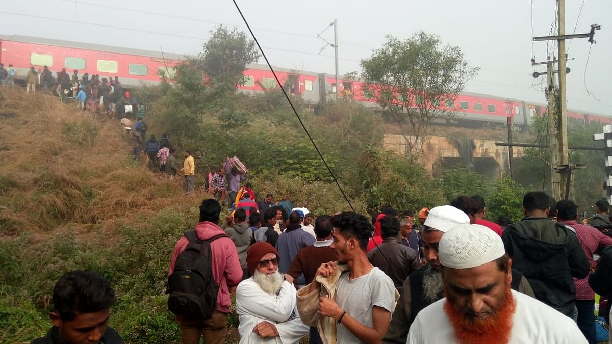 The scene near Salagaon in Odisha, where the Mumbai-Bhubaneswar Lokmanya Tilak Express derailed in the morning of January 16, 2020.