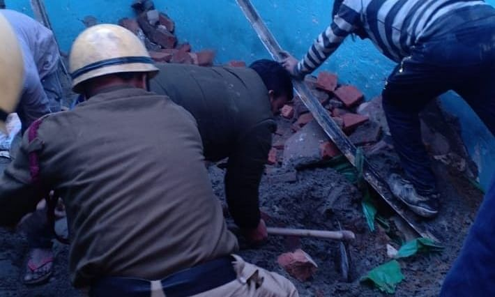 Four killed as building collapses in Delhi's Bhajanpura area