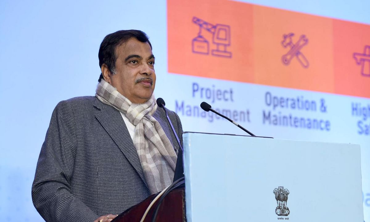 Gadkari reviews road projects worth Rs 3 lakh crore