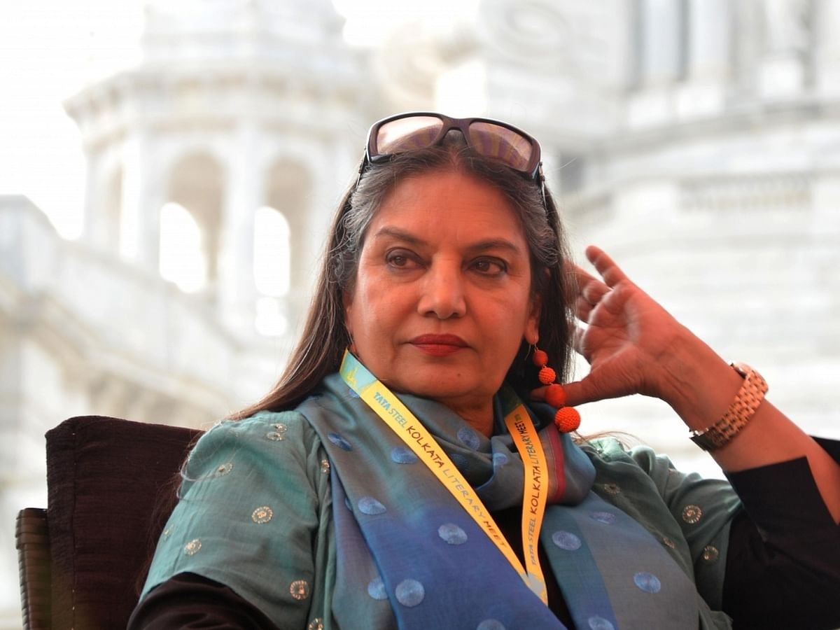 Shabana Azmi grievously injured in Raigad accident