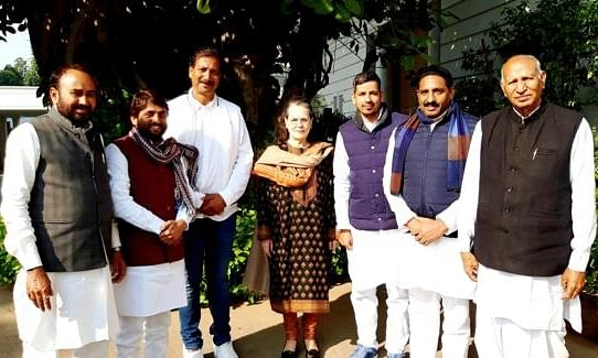 Six ex-BSP Rajasthan MLAs formally join Congress
