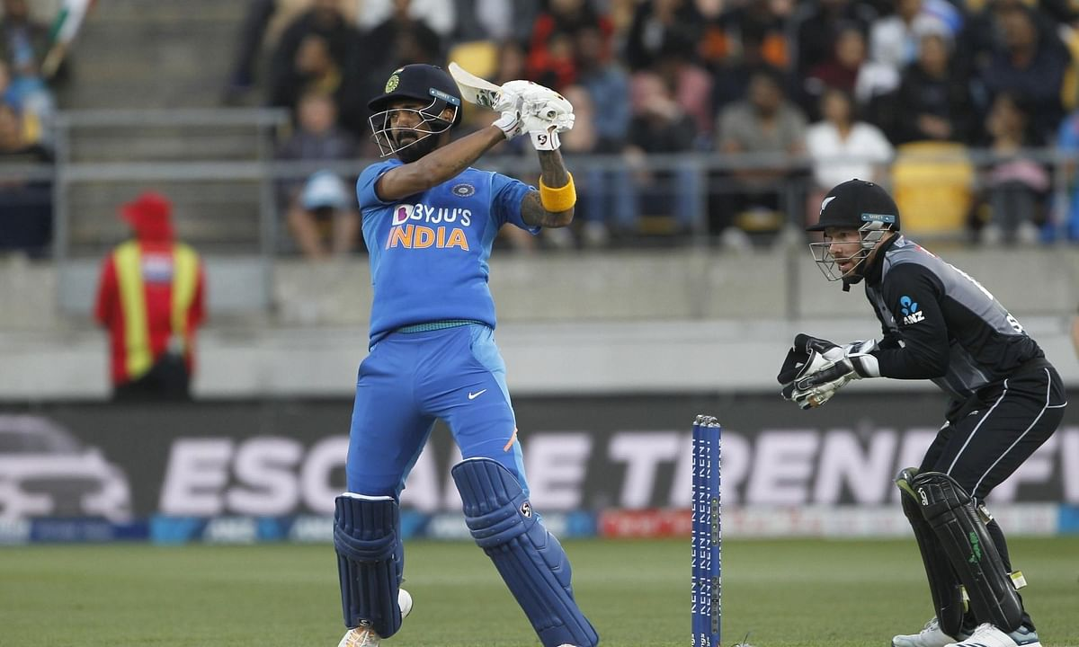 4th T20I: Pandey fifty helps India get to 165/8