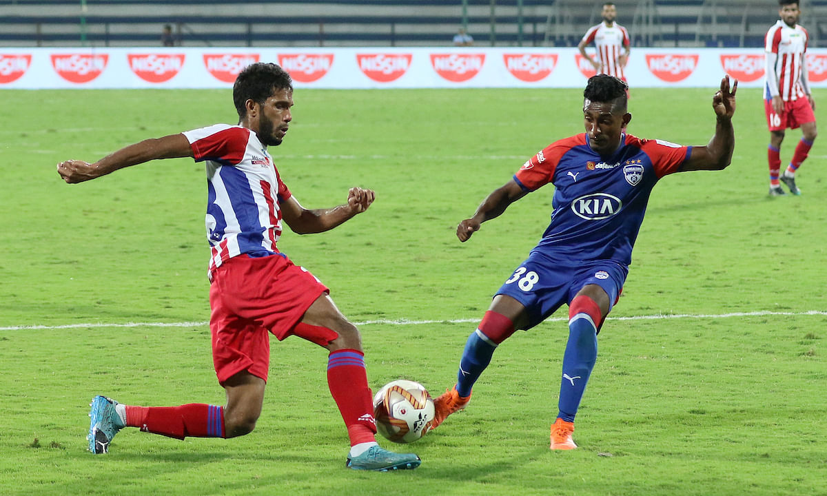 Football ISL: Late goals help ATK hold Bengaluru