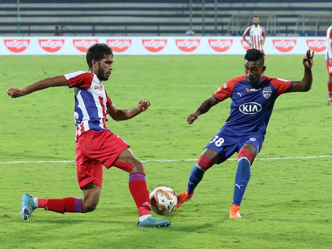 Football ISL: Late goals help ATK hold Bengaluru