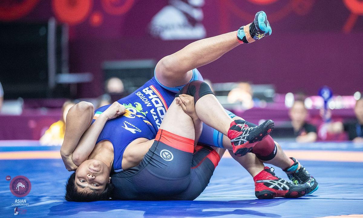 Asian Wrestling: Golden day for Indian women grapplers