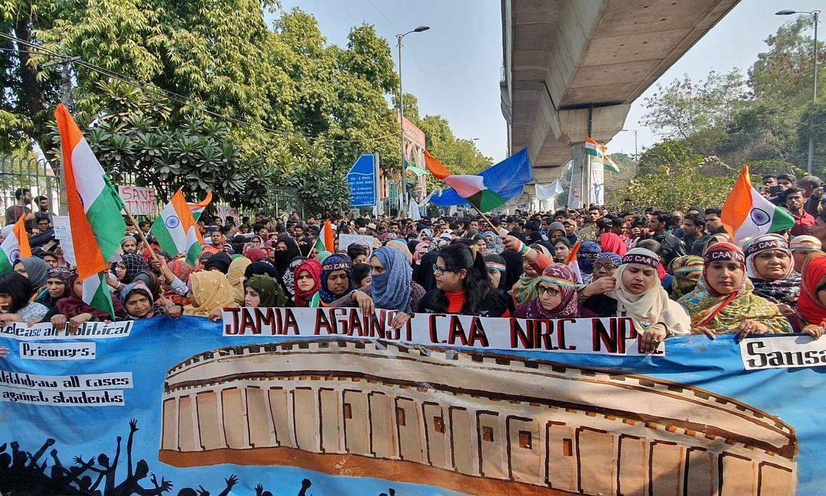 Despite police warning, Jamia protesters continue march