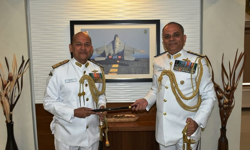 Rear Admiral Puruvir Das taking charge as Flag Officer Commanding Gujarat Naval Area from Rear Admiral Sanjay Roye on February 10, 2020.