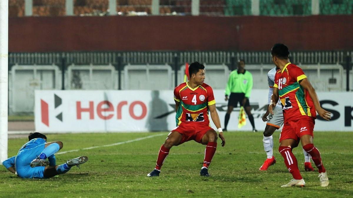 Football: Roy's goalkeeping heroics deny Chennai win against Trau
