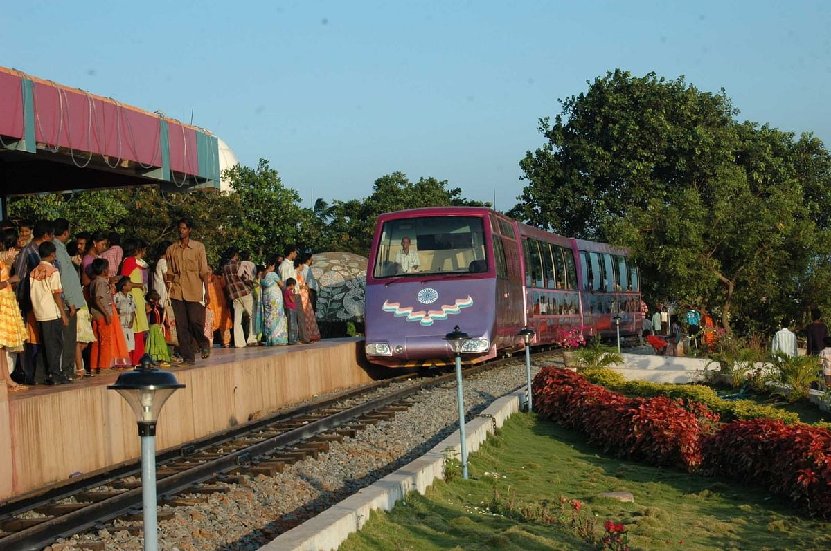 The  toy train at Kailashgiri
