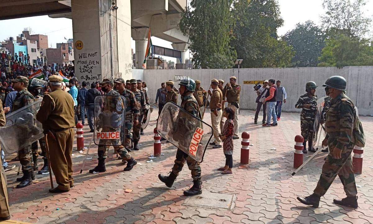 Pro, anti-CAA protesters clash in Delhi; two injured
