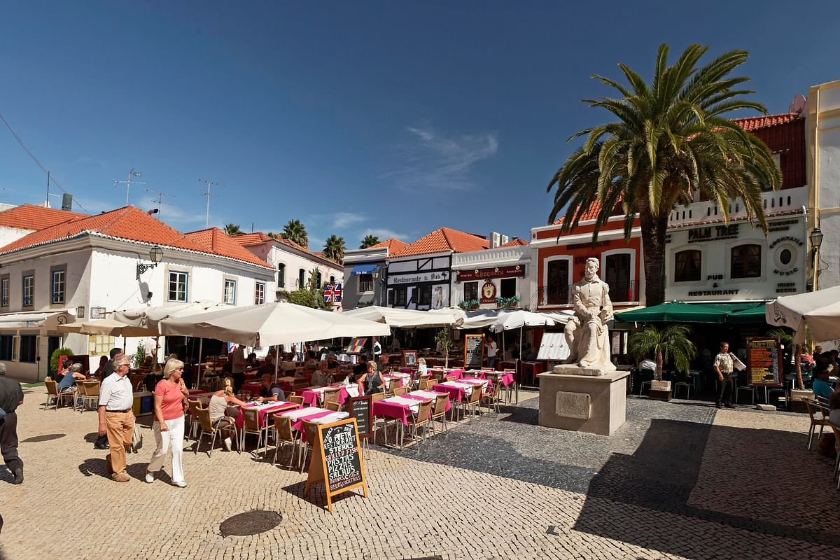 Walking the Medieval Towns of Portugal - Praça Camões, Cascais