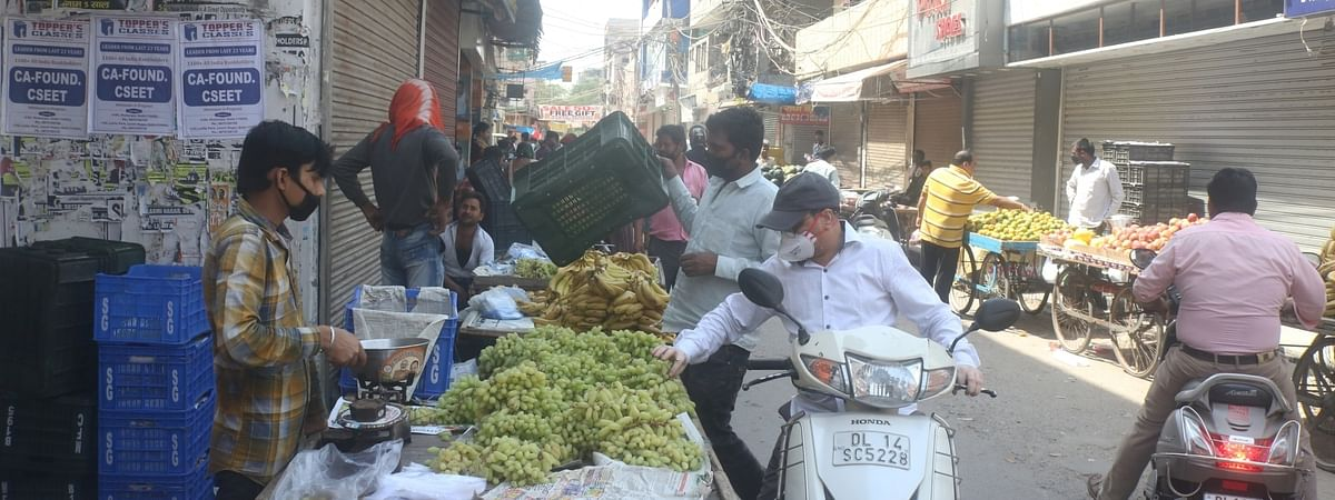 A busy fruit market during the complete lockdown imposed in the country in a bid to curtail the spread of coronavirus, in New Delhi on March 23, 2020.