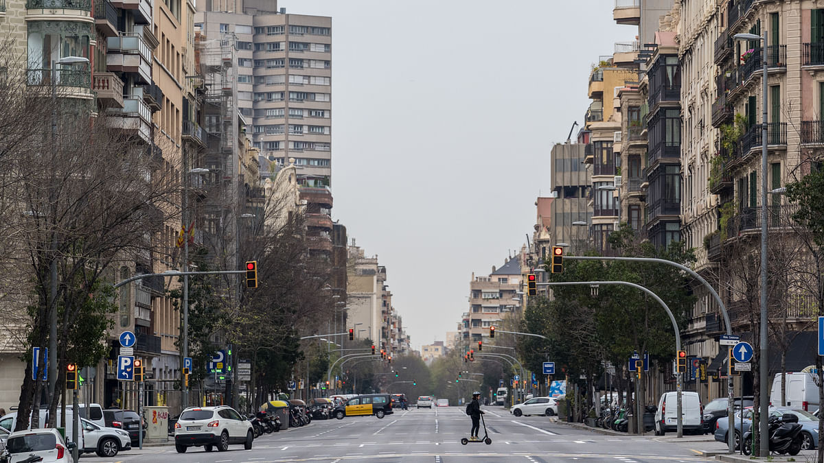 Spain reports no new COVID-19 deaths for 2nd consecutive day