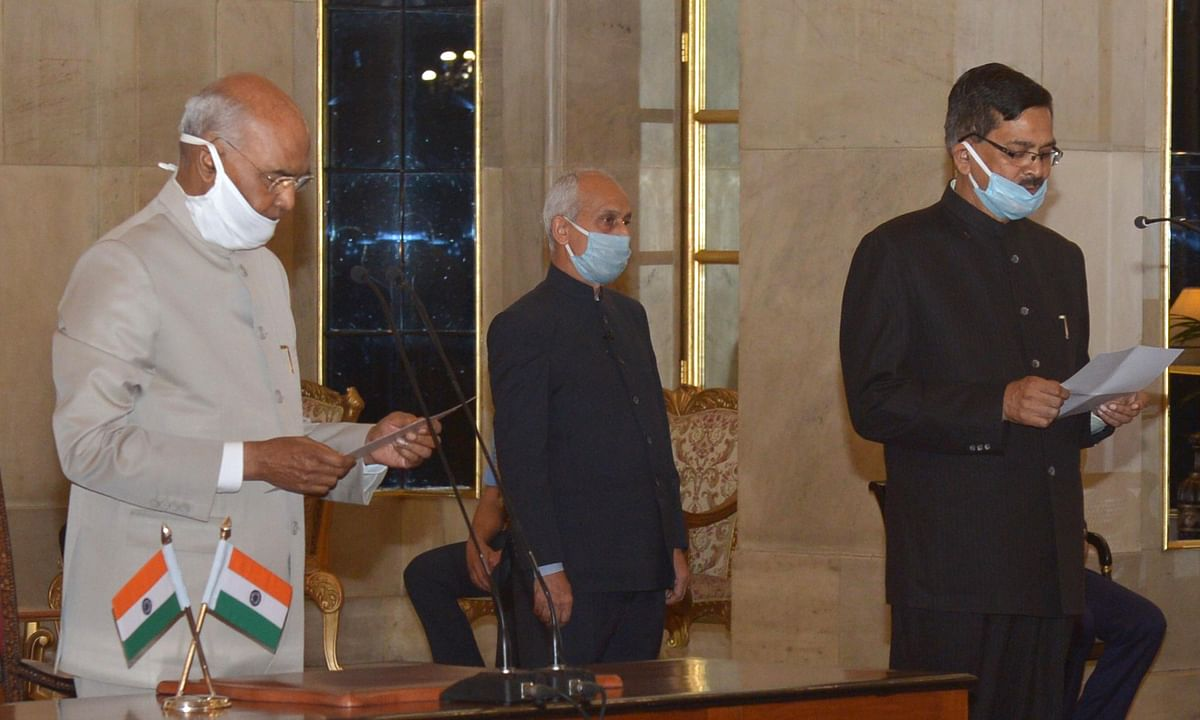 Sanjay Kothari taking the oath of office as Central Vigilance Commissioner before President Ram Nath Kovind at Rashtrapati Bhavan in New Delhi on April 25, 2020.