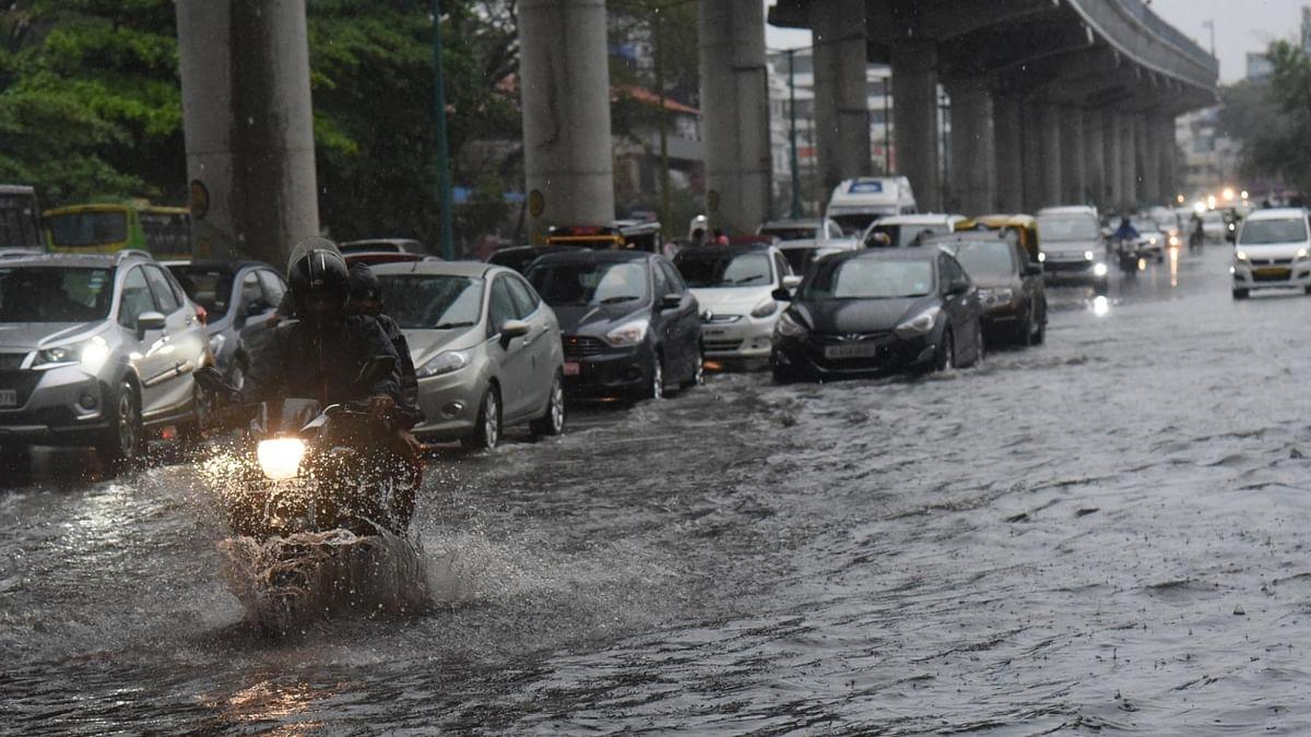 Heavy rains in Kerala, IMD issues orange alert in 9 districts
