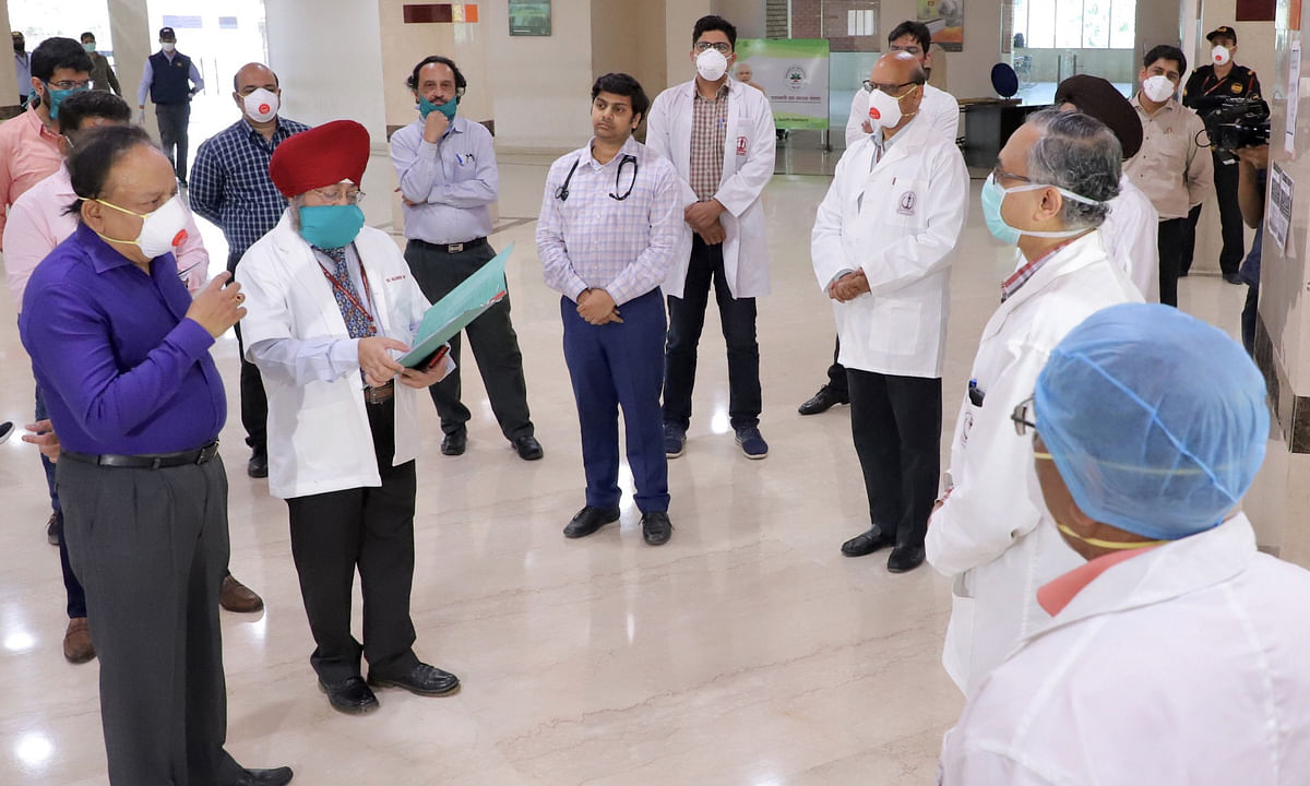Harsh Vardhan visits RML, Safdarjung Hospitals to review COVID-19 situation, interacts with patients