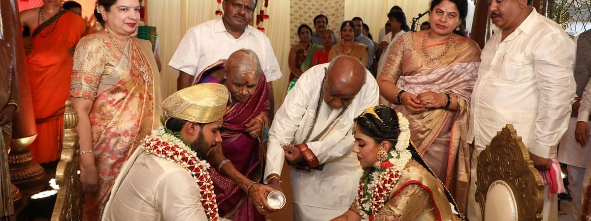 Former Prime Minister and JD-S President H. D. Deve Gowda, along with his wife, at the wedding of his grandson Nikhil Gowda as his son and former Karnataka Chief Minister H. D. Kumaraswamy and daughter-in-law Radhika Kumaraswamy look on, at a farmhouse at Kethaganahalli near Bidadi in Karnataka on April 17, 2020.