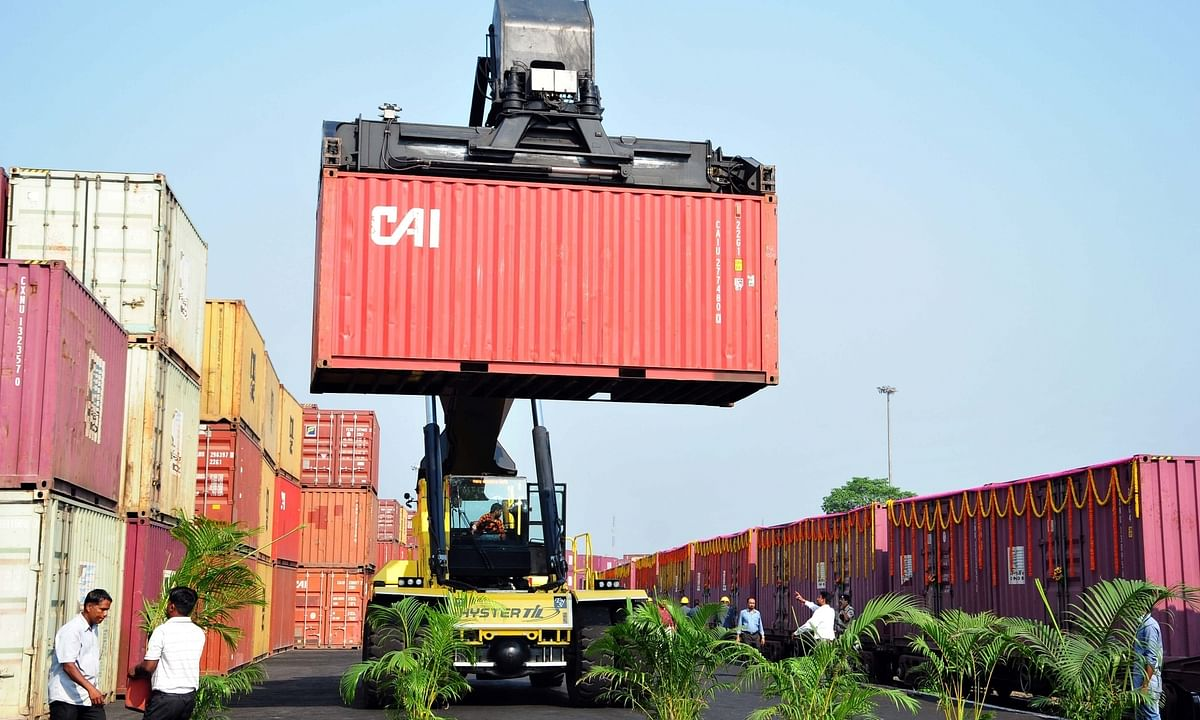 India's November merchandise exports fall by over 9% YoY