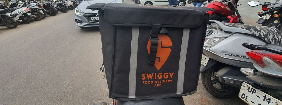 Swiggy, Zomato begin alcohol home delivery in Jharkhand