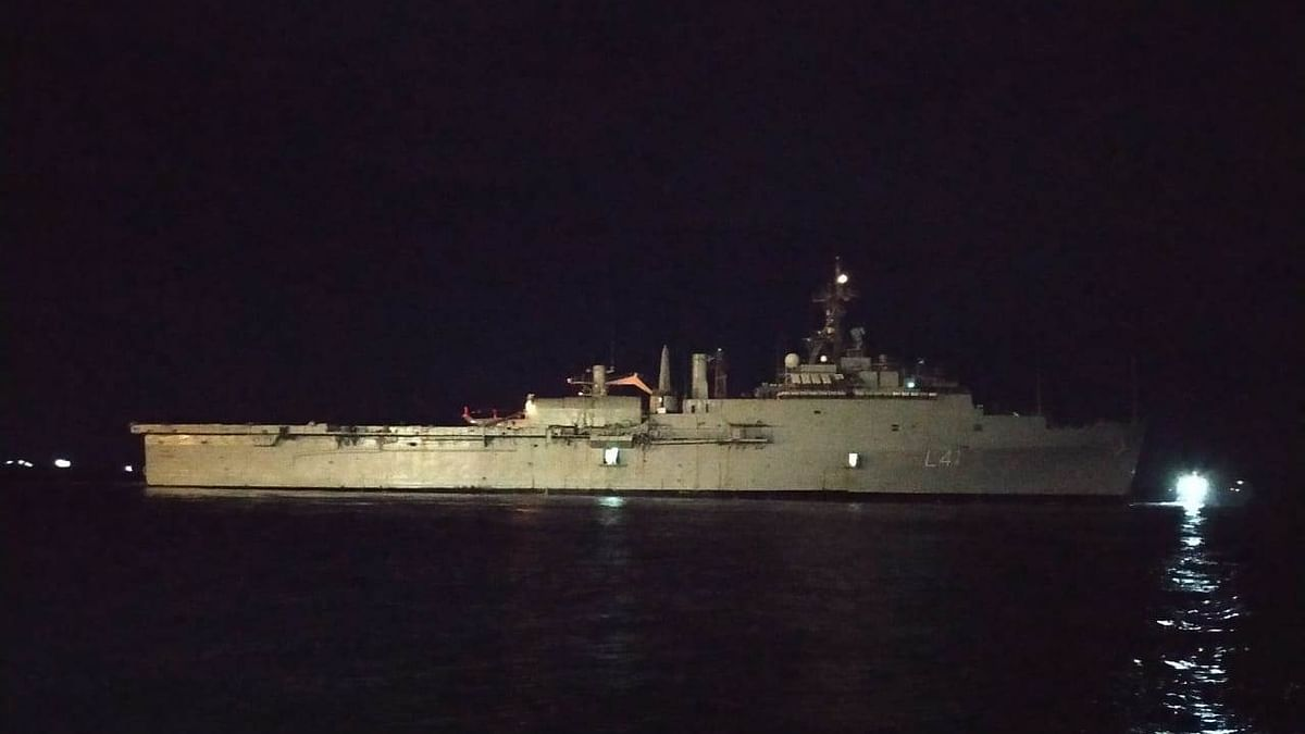 INS Jalshawa sets sail from Maldives with 698 stranded Indians