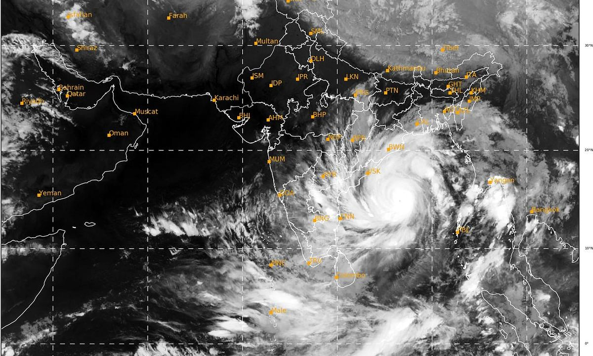Amphan to cross West  Bengal-Bangladesh coasts as extremely severe cyclone on May 20